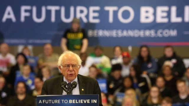 senator bernie sanders an independent from vermont and 2016 democratic presidential candidate tktk during a campaign event in kenosha wisconsin us on... - vorwahl stock-videos und b-roll-filmmaterial