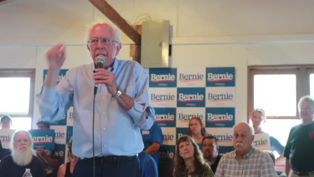 vídeos y material grabado en eventos de stock de senator bernie sanders who is running for the democratic nomination for president of the united states talks about medicare for all while speaking to... - medicare