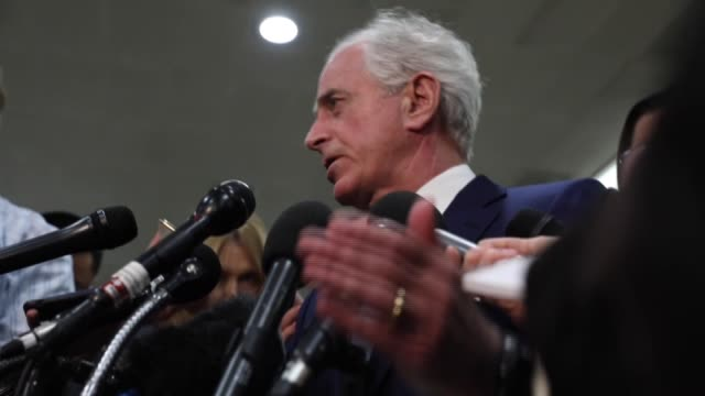 senator bob corker one of eight senators at the briefing told reporters he believed bin salman was responsible for the murder if he was in front of a... - membro del congresso video stock e b–roll