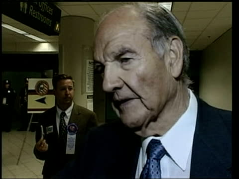 senator george mcgovern interview sot whether americans will go for such a serious candidate as kerry that remains to be seen / i think they will / i... - membro del congresso video stock e b–roll
