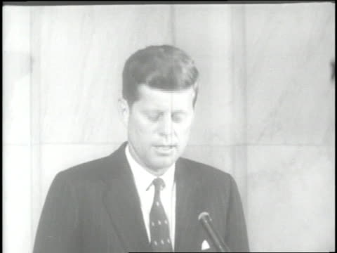 us senator john f kennedy announces his bid for president as his wife jacqueline kennedy looks on - john f. kennedy us president stock videos and b-roll footage