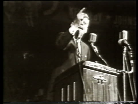 vídeos y material grabado en eventos de stock de senator john f kennedy speaking at rally at the cow palace during the 1960 presidential campaign where he verbally trashes the republican party and... - senador