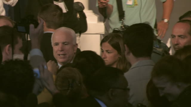 vídeos de stock, filmes e b-roll de senator john mccain walking through crowd of supporters at league of united latin american citizens convention at during campaign for republican... - traje completo