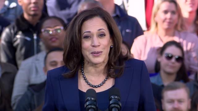 senator kamala harris quotes her mother and bob marley as she announces her 2020 presidential run on january 27, 2019 in oakland, california. - ボブ・マーリー点の映像素材/bロール