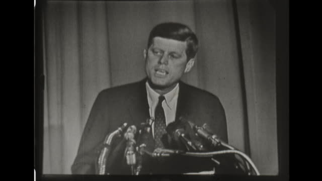 senator kennedy responds to truman's remarks about being too inexperienced for the presidency - john f. kennedy politik stock-videos und b-roll-filmmaterial