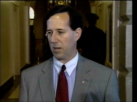 senator rick santorum speaking to press sot we feel good about having strong leader who's decisive not afraid to do best thing for america even... - membro del congresso video stock e b–roll