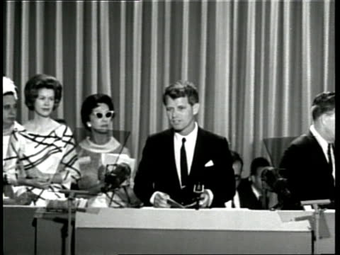 vídeos y material grabado en eventos de stock de us senator robert f kennedy delivers a speech about his deceased brother us president john f kennedy at the 1964 democratic national convention - senador