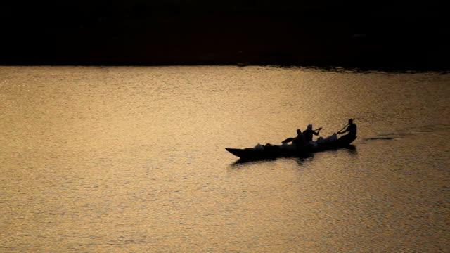senegal, podor, daily life along the senegal river - モーリタニア点の映像素材/bロール