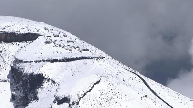 aerial, cu, sengen taisha at mt fuji summit, yamanashi, japan - shinto shrine stock videos & royalty-free footage