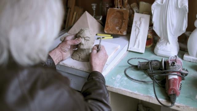 Leitender Künstler Skulpturen im Innenbereich