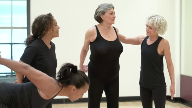 senior fitness instructor helping - good posture stock videos & royalty-free footage