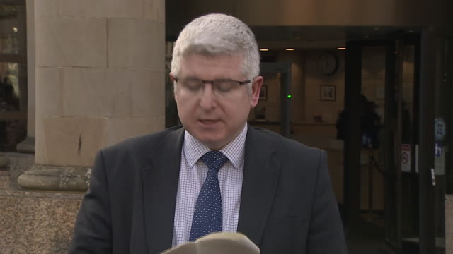 senior investigating officer in the alesha macphail murder case, stuart houston, reading a statement on behalf of alesha's mother after 16-year old... - victim stock videos & royalty-free footage