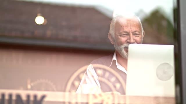 senior man skyping - silver surfer stock videos & royalty-free footage