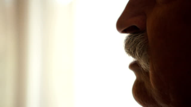 vídeos de stock e filmes b-roll de senior man talking - bigode