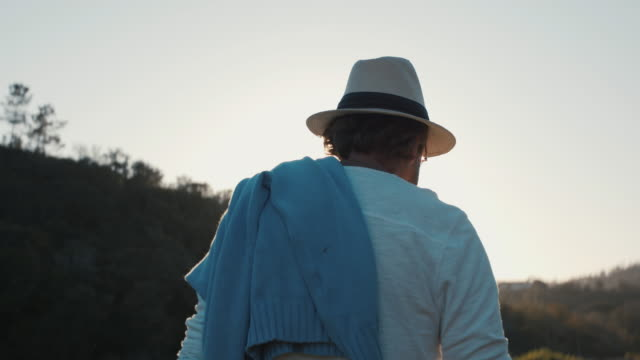 stockvideo's en b-roll-footage met senior man walking in nature - serene mensen