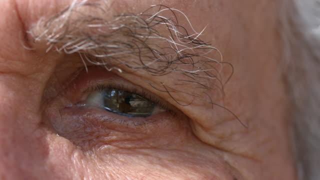 senior Mann's eye