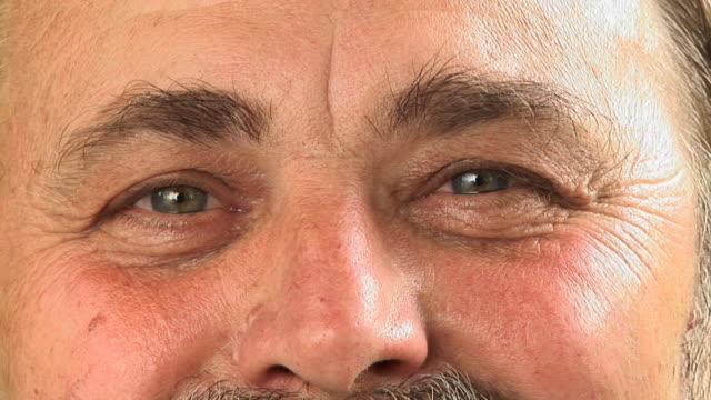 hd: senior man's eyes - eyebrow stock videos & royalty-free footage