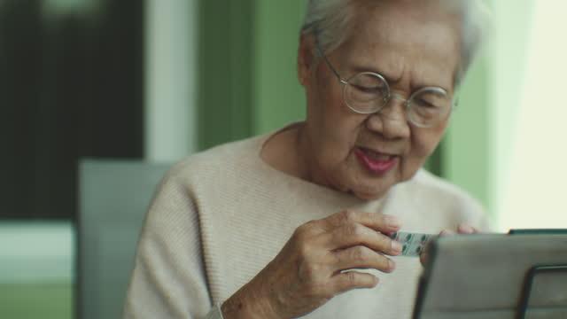 senior & telemedicine , health technology - health technology stock videos & royalty-free footage