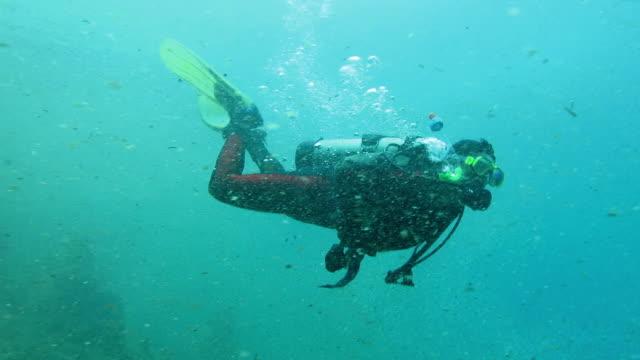 Senior Woman starting his Scuba Diving