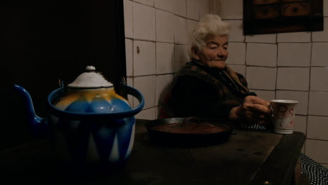Senioren zu Hause echte Menschen