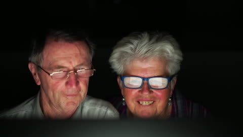 seniors at home - senior couple surfing the net - silver surfer stock videos & royalty-free footage