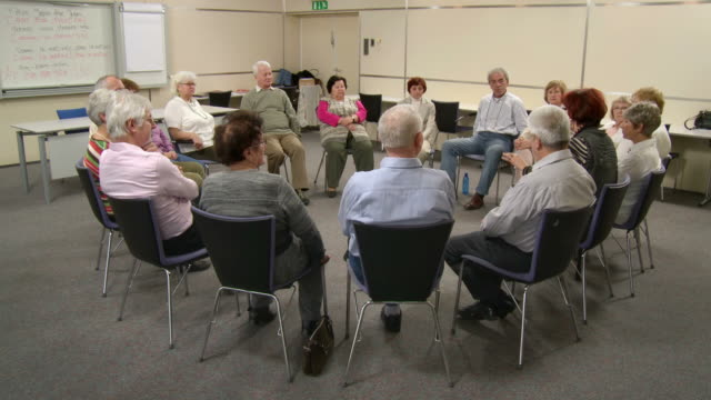 HD: Seniors On The Group Discussion