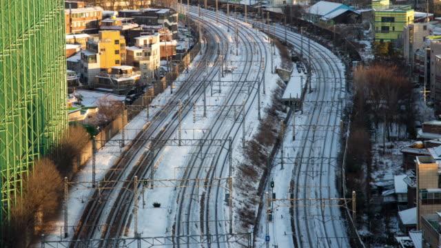 vídeos de stock e filmes b-roll de cidade de seul - comboio de metropolitano