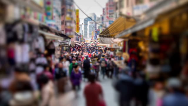 stockvideo's en b-roll-footage met seoul city zoom - markt