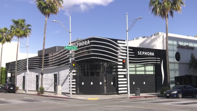 sephora boarded up and closed due to restrictive coronavirus measures on march 26 2020 in beverly hills california - beverly hills california stock videos & royalty-free footage