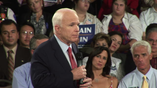 vídeos de stock e filmes b-roll de september 16 2008 ms republican presidential candidate john mccain speaking at town hall campaign event/ tampa florida/ audio - fato completo