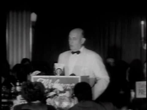 vídeos de stock e filmes b-roll de september 19 1949 montage defense secretary lauding movie industry / los angeles california united states - sentar se