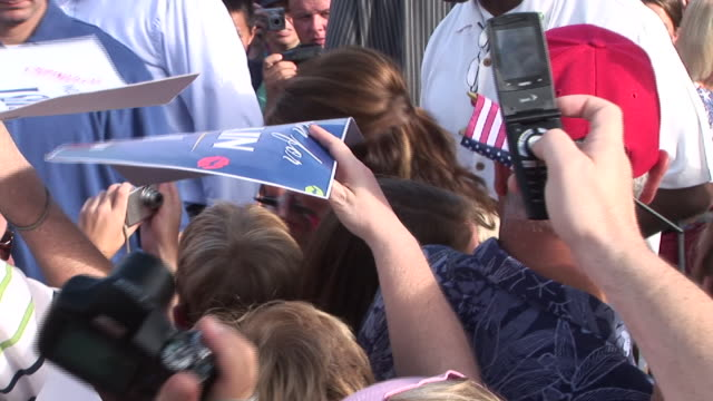 september 21, 2008 republican vice presidential candidate sarah palin shaking hands and signing autographs/ florida - berretto da baseball video stock e b–roll