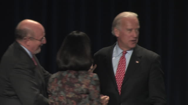 september 23 2008 ws pan zi democrat vice presidential candidate joe biden arriving to address national jewish democratic council/ ms biden speaking... - 2008 stock videos & royalty-free footage