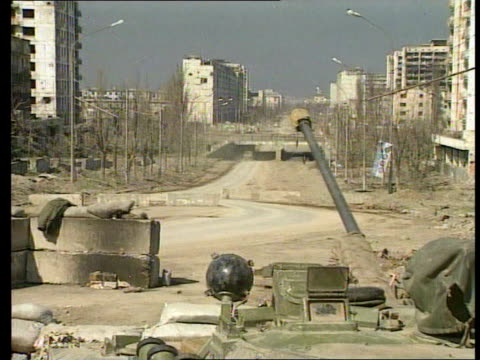 lib seq russian troops and equipment on streets of grozny - grosny stock-videos und b-roll-filmmaterial