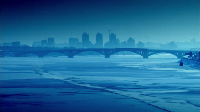 vídeos de stock, filmes e b-roll de sequence across the snow covered city of kiev. - ucrânia