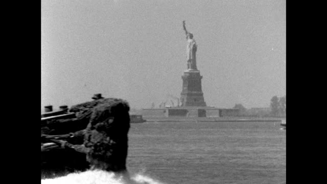 sequence of statue of liberty from east river; 1961 - ferry stock videos & royalty-free footage