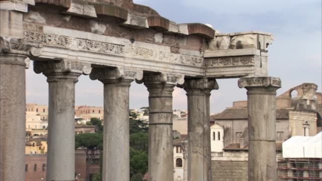 sequence of tilts up ancient roman columns at the forum in rome, italy. - ca. 7 jahrhundert stock-videos und b-roll-filmmaterial