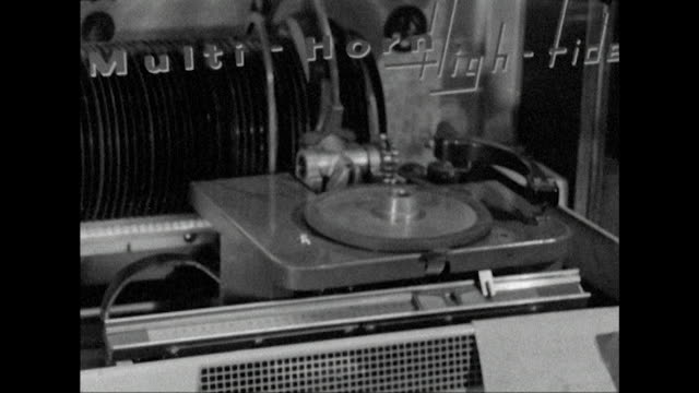 sequence showing a jukebox at the le macabre coffee bar london - 1950 1959 stock-videos und b-roll-filmmaterial