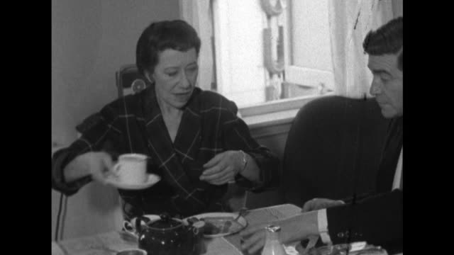 Sequence showing Dame Flora Robson hosting a tea party in her dressing room for the cast of 'The Aspern Papers'