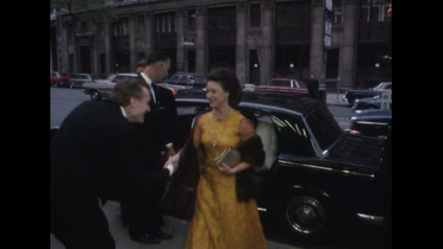 stockvideo's en b-roll-footage met sequence showing princess margaret and lord snowden arriving at the aldwych theatre for a theatrical performance - prinses margaret windsor gravin van snowdon