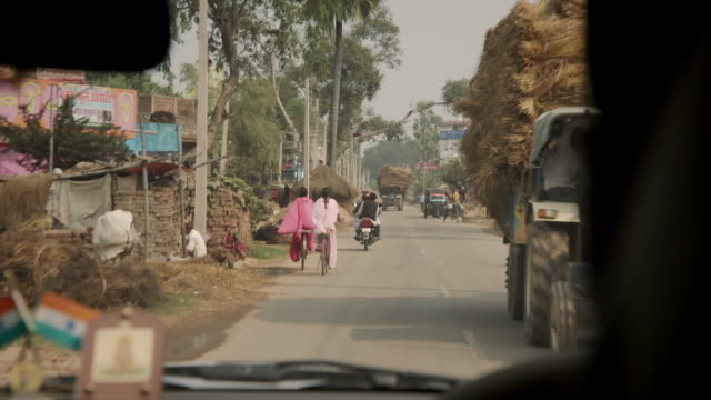 POV sequence showing roads in Bihar, north-eastern India.