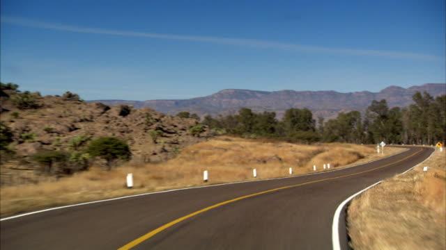 stockvideo's en b-roll-footage met pov sequence showing roads in mexico. - ruimte exploratie