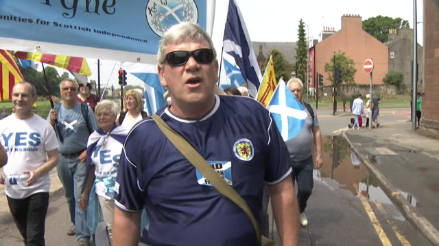 Sequence showing SNP independence supporters on parade