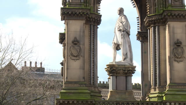stockvideo's en b-roll-footage met sequence showing the albert memorial in albert square in manchester, uk. - gedenkteken