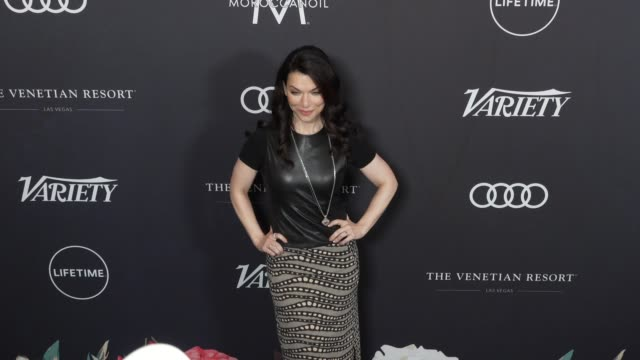 sera gamble at the variety's power of women: los angeles at the beverly wilshire four seasons hotel on october 12, 2018 in beverly hills, california. - フォーシーズンズホテル点の映像素材/bロール
