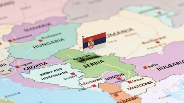 stockvideo's en b-roll-footage met servië met nationale vlag - joegoslavië