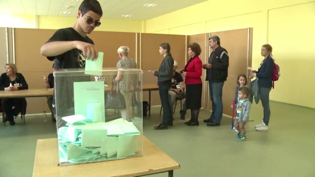 serbians go to the polls to elect a new president with strongman aleksandar vucic looking to tighten his grip on power amid accusations he is... - tighten stock videos & royalty-free footage