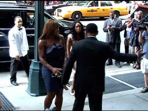 vídeos de stock e filmes b-roll de serena williams attending wedding at cipriani's 42nd street restaurant at the celebrity sightings in new york at new york ny - atlântico central eua