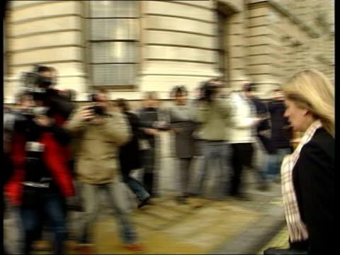 vídeos de stock, filmes e b-roll de sergeant steve roberts death: widow meets hoon; itn england: london: westminster: ext samantha roberts and family along to meeting int cms side... - widow