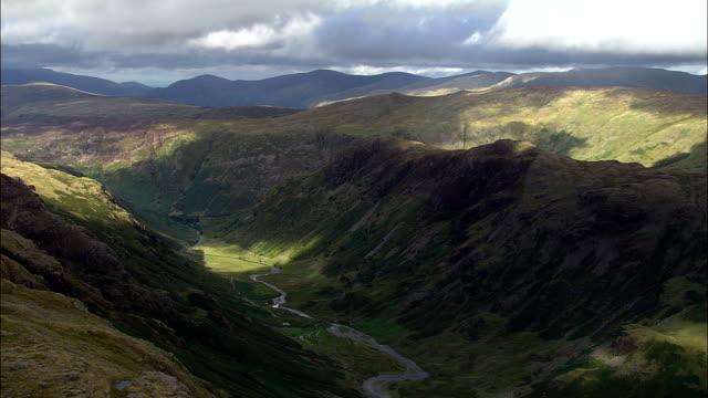 Sergeant en Eagle Crags - luchtfoto - England, Cumbria, bestuurlijke gebied Allerdale, Verenigd Koninkrijk